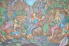 Arte tailandese sulle mattonelle della parete della toilette dalla provincia Tailandia di Rayong della stazione del combustibile Immagini Stock Libere da Diritti