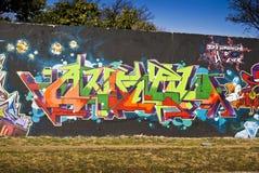 Arte urbana - graffito venerdì - parete placcata dei graffiti Fotografie Stock Libere da Diritti