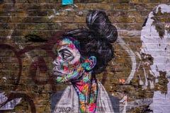 Arte urbano a través de las calles de Londres imágenes de archivo libres de regalías