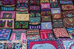 Arte y arte locales de las lanas de los yacs en los pueblos a lo largo del viaje del valle de Langtang nepal imagenes de archivo