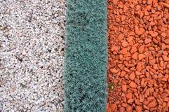 Arten der Landschaftsgestaltung und der Dekorationsgartenwege Stockfotos