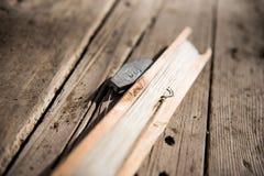 Artes de pesca caseiros feitos a mão imagens de stock