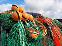 Artes de pesca en el Cobb - el Lyme Regis imágenes de archivo libres de regalías