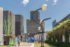 Artes y distrito del entretenimiento (gafas del DES de Quartier) imagen de archivo libre de regalías