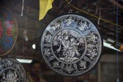 Artesanías para la venta en Nueva Deli, la India Imagen de archivo libre de regalías