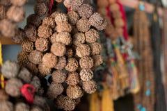 Artesanías y recuerdos tradicionales nepaleses Katmandu Foto de archivo libre de regalías