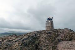 Arthur's位子山顶,高峰在爱丁堡Holyrood公园位于爱丁堡,苏格兰,英国 图库摄影
