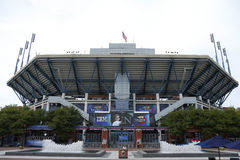 Arthur Ashe Stadium bei Billie Jean King National Tennis Center vor Mannendspiel des US Open 2013 Stockfotografie