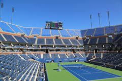 Arthur Ashe Stadium in Billie Jean King National Tennis Center klaar voor US Opentoernooien Stock Foto