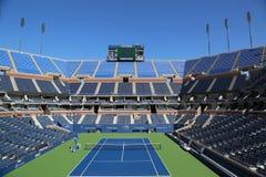 Arthur Ashe Stadium in Billie Jean King National Tennis Center klaar voor US Opentoernooien Stock Foto