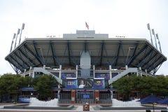 Arthur Ashe Stadium in Billie Jean King National Tennis Center vóór US Open 2013 mensen definitieve gelijke Stock Fotografie