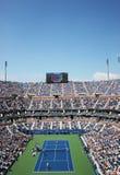 Arthur Ashe stadium podczas dopasowania przy us open 2014 przy Billie Cajgowego królewiątka tenisa Krajowym centrum zdjęcie royalty free