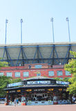 Arthur Ashe stadium przy Billie Cajgowego królewiątka tenisa Krajowym centrum przygotowywającym dla us open turnieju Fotografia Stock