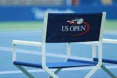 Arthur Ashe stadium przy Billie Cajgowego królewiątka tenisa Krajowym centrum przygotowywającym dla us open turnieju w Nowy Jork obrazy stock