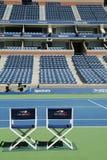 Arthur Ashe stadium przy Billie Cajgowego królewiątka tenisa Krajowym centrum przygotowywającym dla us open turnieju w Nowy Jork zdjęcia stock