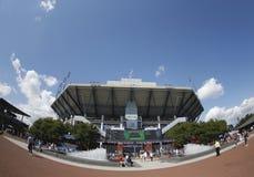 Arthur Ashe stadium przy Billie Cajgowego królewiątka tenisa Krajowym centrum podczas us open 2013 Fotografia Stock