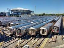 Arthur Ashe Tennis Stadium da Corona Rail Yard, New York, U.S.A. immagine stock libera da diritti