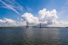 Arthur Ravenel Jr Bridge sobre el tonelero River en Charleston Fotografía de archivo