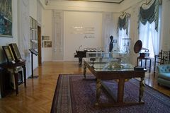 Arthur Rubinstein rum i den Israel Poznanski slotten Lodz Polen arkivfoto