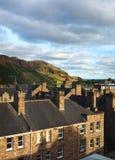 Arthur& x27; berget för s som Seat fotvandrar slingan Holyrood, parkerar Edinburg Sco Arkivbild