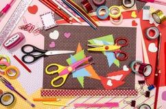 Arti e rifornimenti del mestiere per il biglietto di S. Valentino del san Immagini Stock Libere da Diritti