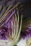 Artichaut coupé dedans à moitié Image stock