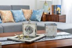 Article décoratif d'horloge décorative de salon petit photo stock