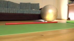 Article de sport pour le tir de chariot des exercices 4K Concept de forme physique à la maison clips vidéos