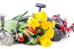 Articles de pêche avec des fleurs de ressort Image stock