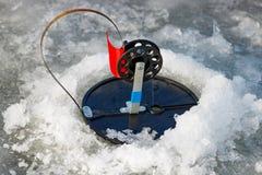Articles de pêche d'hiver pour le plan rapproché de pêche de brochet Images libres de droits