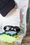 Articles de pêche et amorces avec la crête de chapeau Photos libres de droits