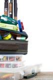 Articles de pêche et amorces dans la boîte et le sac Photos stock