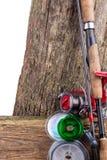 Articles de pêche et appâts sur en bois Image libre de droits