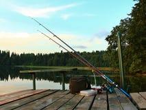Articles de pêche prêts pour la pêche Photographie stock libre de droits