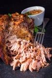 Articolazione arrostita fresca di carne di maiale con senape Immagini Stock Libere da Diritti