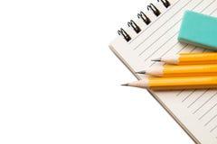 Articoli per ufficio isolati su un fondo bianco Immagini Stock Libere da Diritti