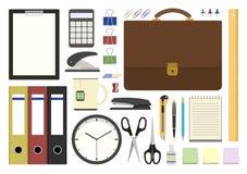 Articoli per ufficio nella progettazione piana Immagini Stock