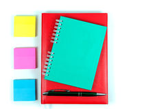 Articoli per ufficio su priorità bassa bianca Fotografia Stock