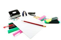 Articoli per ufficio in un mucchio Fotografia Stock