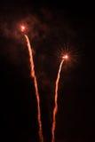 Artificiales de los fuegos artificiales-Fuegos Imágenes de archivo libres de regalías