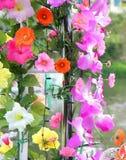 Artificient fiorisce la decorazione nel partito Fotografia Stock Libera da Diritti
