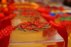 Artigianato fatti delle monete cinesi antiche immagine stock