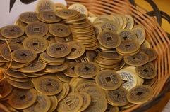 Artigianato fatti delle monete cinesi antiche immagini stock libere da diritti