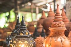 Artigianato tradizionali del vaso di argilla a Ko Kret, Nonthaburi Tailandia fotografia stock