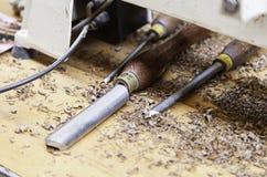 Artigiano che lavora con il legno Fotografie Stock Libere da Diritti