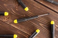 Artigo da ferramenta do trabalho na madeira marrom imagem de stock