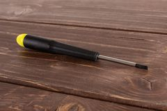 Artigo da ferramenta do trabalho na madeira marrom fotografia de stock