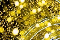 Artigo dourado da iluminação e da decoração para o Natal e a celebração do ano novo fotos de stock