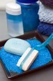 Artigos azuis do banheiro Fotografia de Stock Royalty Free