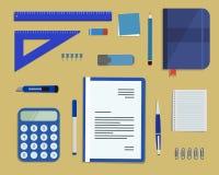 Artigos de papelaria azuis em um fundo arenoso ilustração do vetor